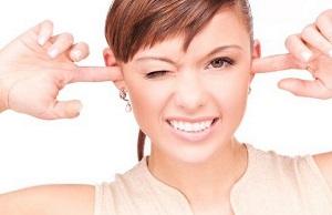 Почему у нас в ушах образуется сера и зачем она нужна?