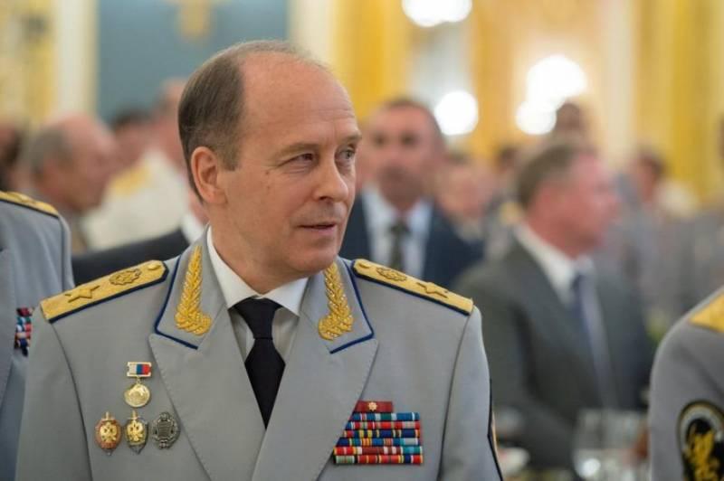 Директор ФСБ ударил правозащ…