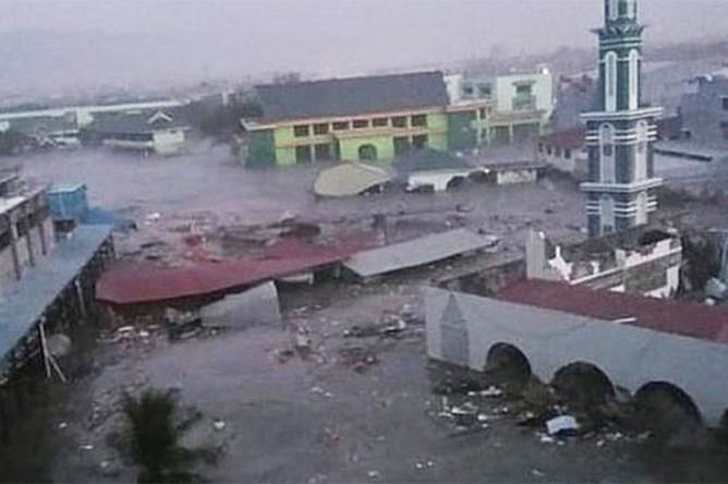 Власти Индонезии выделят более $37 млн пострадавшим во время землетрясения