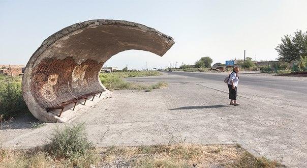 Крутейший советский модерн полузаброшенных автобусных остановок