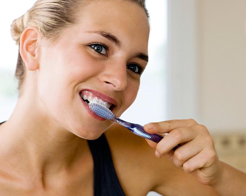 Восстановление зубной эмали в домашних условиях