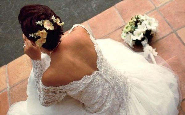 Жених увидел невесту во время свадьбы и сразу развелся