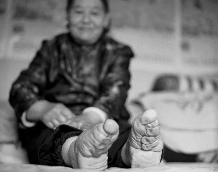 Древние традиции: китайские «лотосовые ножки» как гарантия счастливого замужества