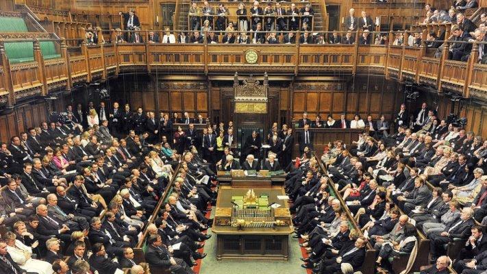 Лондон потерпел полное фиаско: британские политики подвели страну к краху