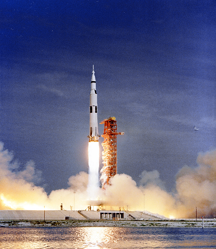 3-Launch_of_Apollo_11_(S69-.jpg