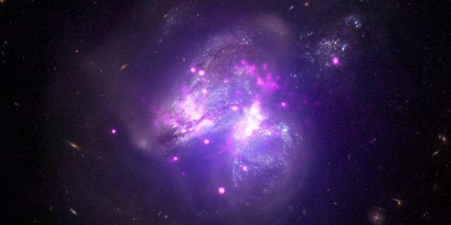 Ученые впервые засняли формирование джета черной дыры