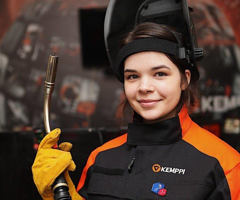 Студентка из Москвы Диана Ба…