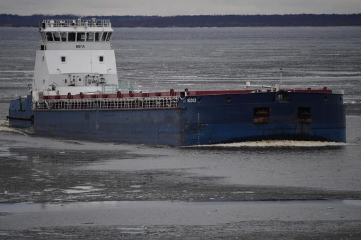 Бутылка водки осушила европейский пролив: Пьяный российский капитан посадил корабль на мель у берегов Швеции