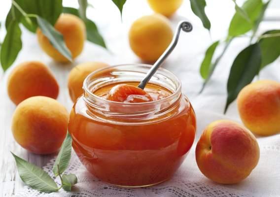 Пока есть абрикосы, срочно готовим из них джем!