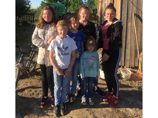 Шестеро детей с Украины попа…