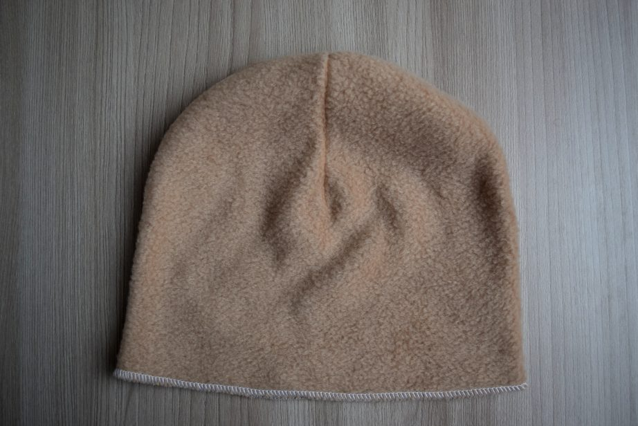 как утеплить вязаную шапку флисом