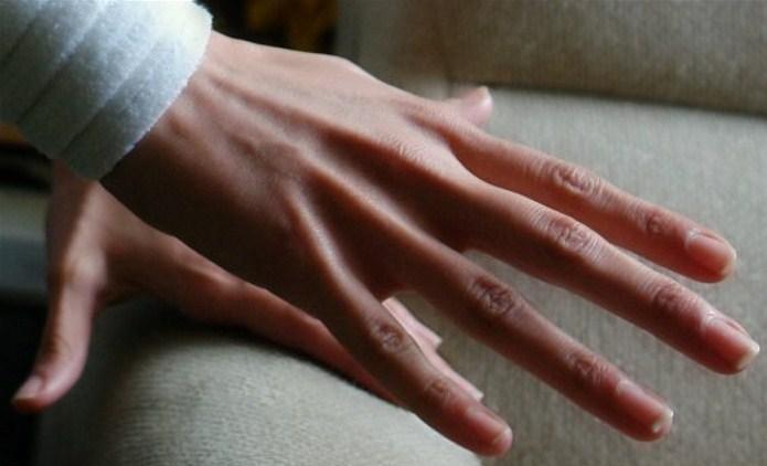 Видеть свою руку и пальцы