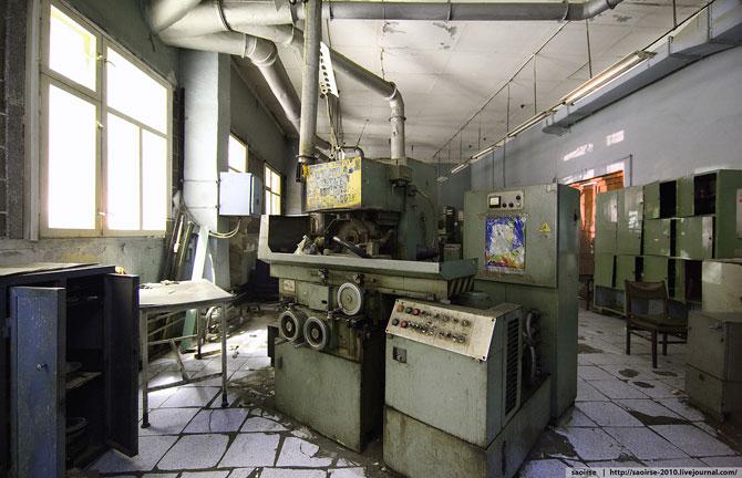 Экскурсия по забытому НИИ искусственных минералов