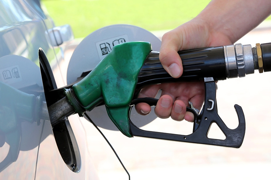 Цены на бензин: в России в три раза ниже, чем в Европе