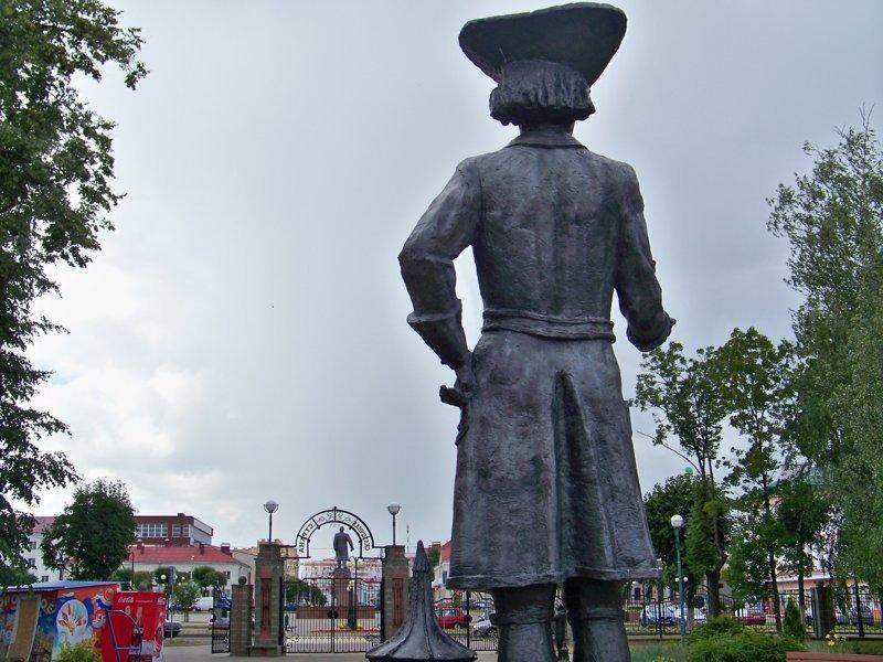 Гулливер и Ленин на заднем плане Орша, беларусы, длиннопост, красивые города, лукашенко, путешествия