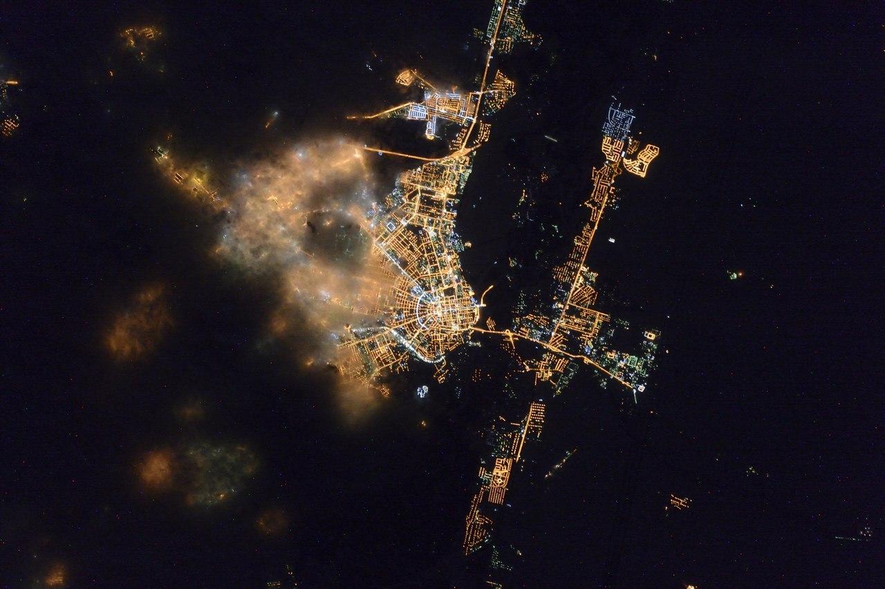 Как выглядят города россии из космоса