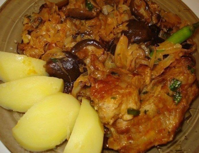 Это блюдо сведет с ума — Свинина, тушёная с грибами и капустой