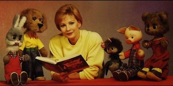 За что в 1993 году Татьяну Веденееву уволили с телевидения