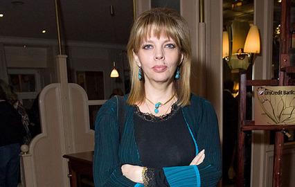 Настасья Самбурская оскорбила дочь Роберта Рождественского, назвав ее старой кошелкой