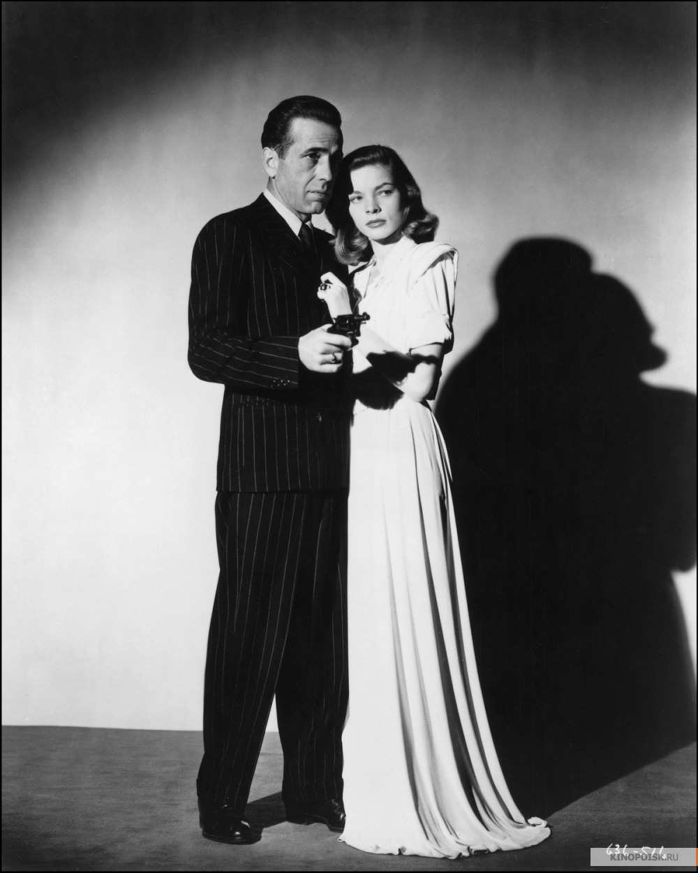 "Лорен Бэколл и Хамфри Богарт на съёмках фильма ""Глубокий сон"" (1946)"