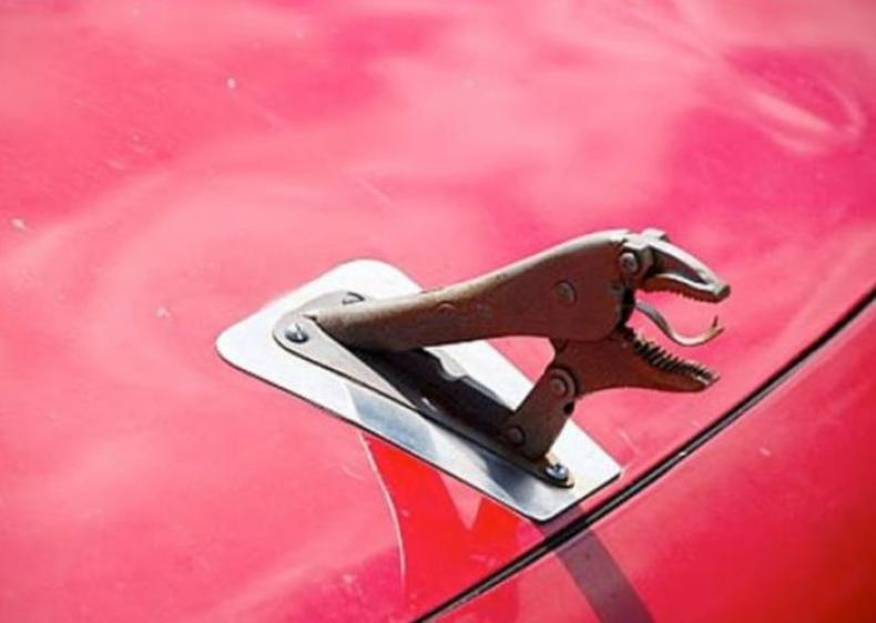 Дорогая, я починил машину!