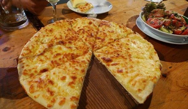 Как сделать хачапури с сыром по грузински