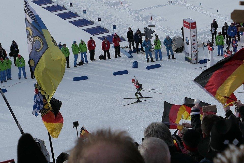 Ретивых и Большунов получили серебро в командном спринте на чемпионате