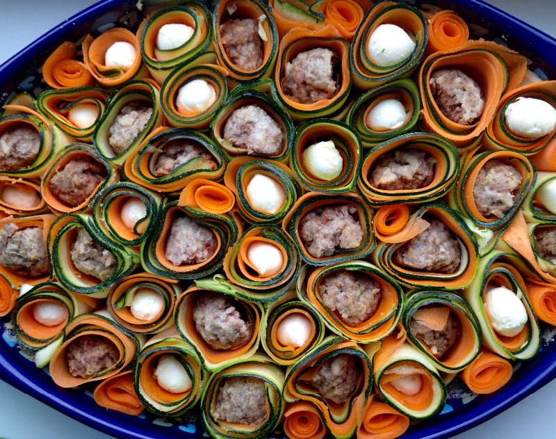 Запеканка с тефтелями, сыром и овощами