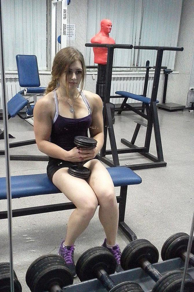 Красивая и сильная русская девушка