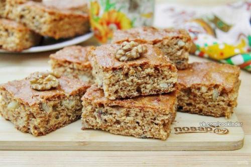 Карамельный пирог с орехами.