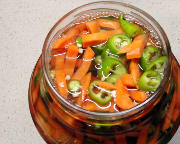 Острая маринованная морковочка