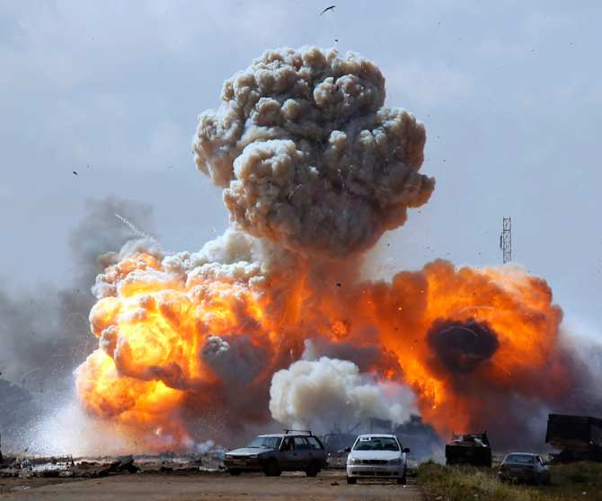 Сирия: Штурмовик Су-25 атаковал укрепрайон боевиков США, — кадры удара (ВИДЕО)