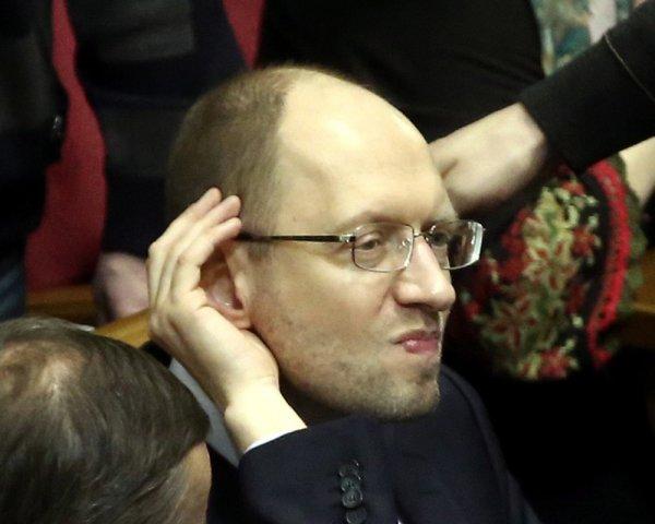 СМИ: Арсения Яценюка с нервн…