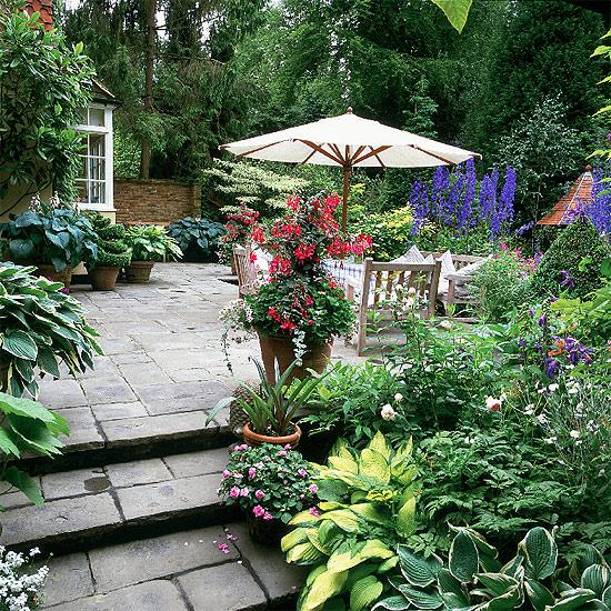 Частный дом и 50 способов сделать сад красивым и необычным