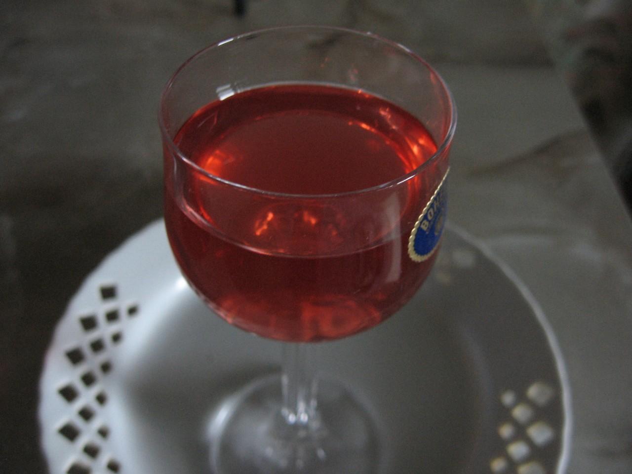 Рецепт как сделать домашнее вино из малинового варенья