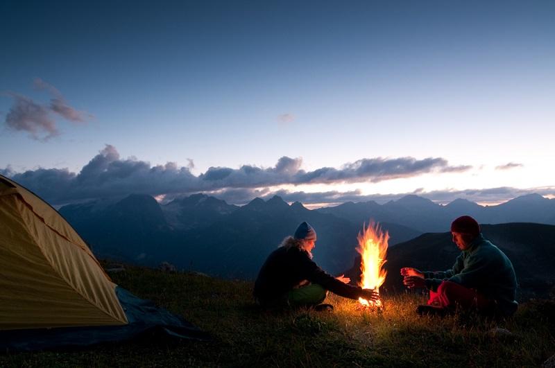 отдых на природе с друзьями
