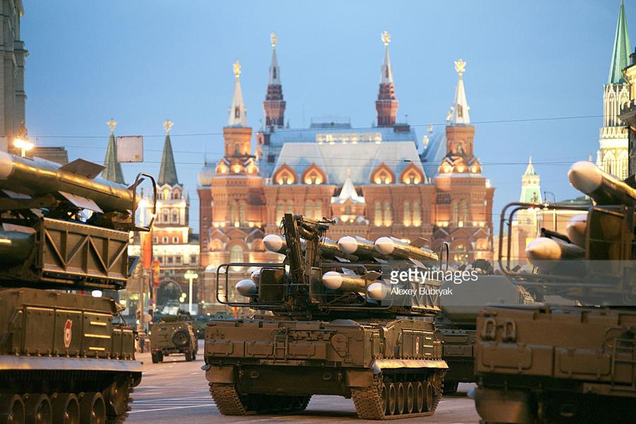О России, надорвавшейся, как СССР в своё время