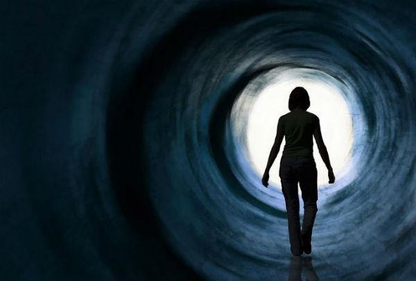 «Смерть — это двери в другой в мир!» Сенсационное заявление ученого, пережившего клиническую смерть.