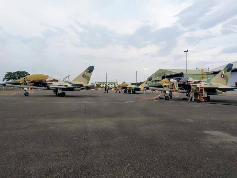 Лаос получил три самолета Як-130