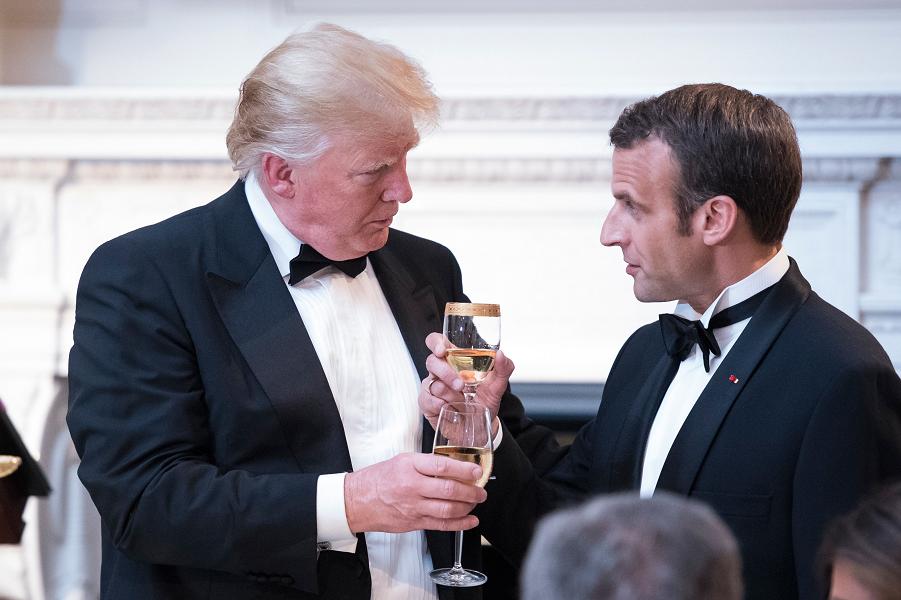 Путин едет во Францию с визитом. Трамп тоже хочет дружить