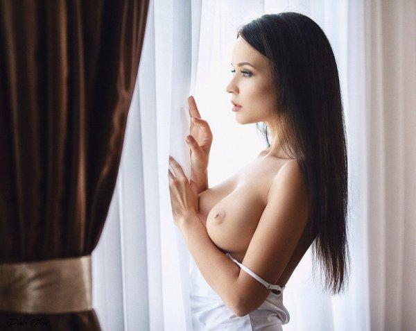 Эротические фото девушек  (32 фото)