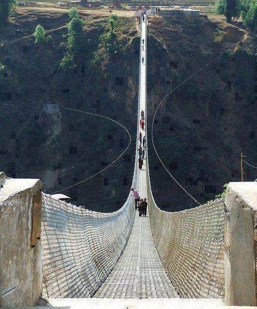 Мост в Непале. Не для слабонервных!