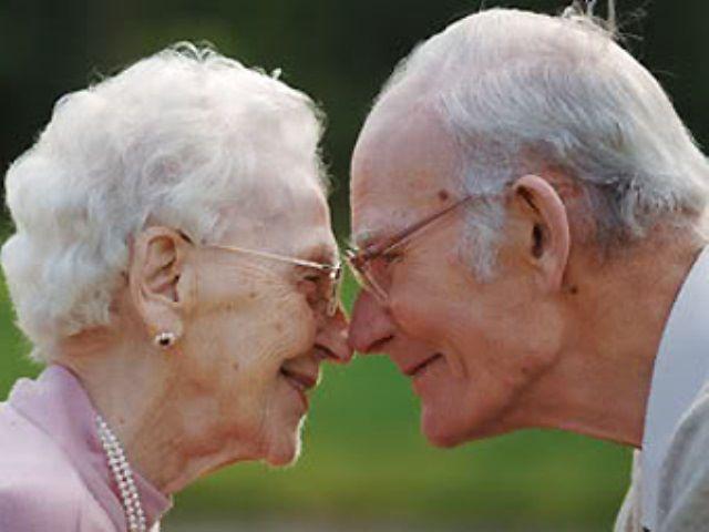Сюрприз на свадьбе внучки: самая романтичная история любви