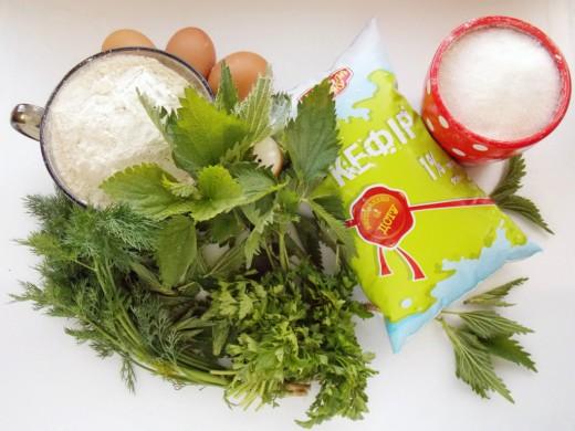Ингредиенты для приготовления оладьев с молодой крапивой