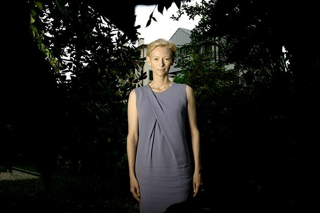 Вера Брежнева высмеяла «сенсацию» о нырянии мужа «в бюст пышной блондинки»