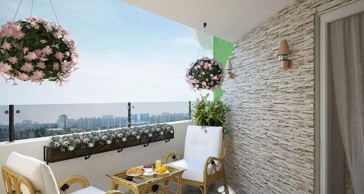 Как оформить открытый балкон своими руками