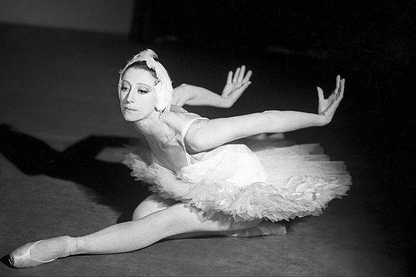 Тот самый легендарный «Умирающий лебедь» в исполнении Майи Плисецкой