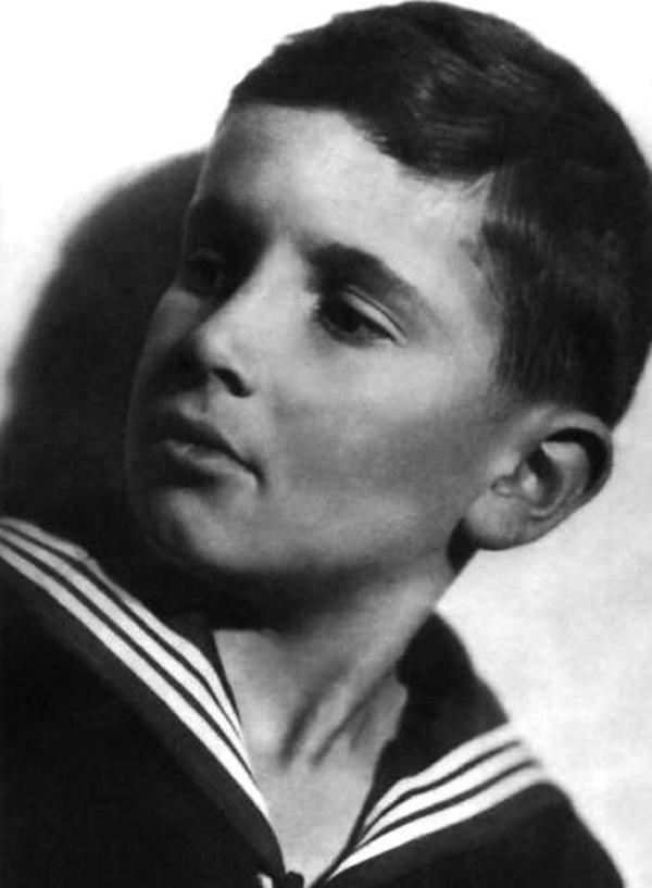 Светлая память гениальному Эльдару Рязанову...