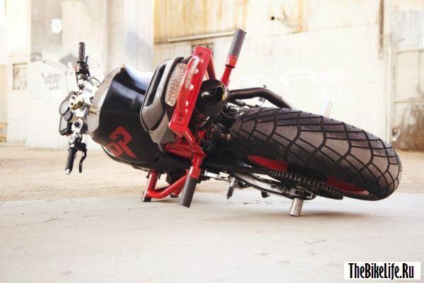 Защита для мотоцикла.