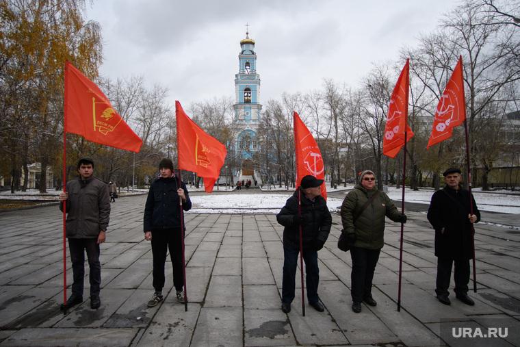 Почему День комсомола — один из двух главных праздников элиты России?